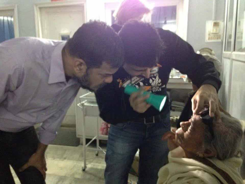 Giving Light of Vision Free Eye Camp at Parmarth (4)