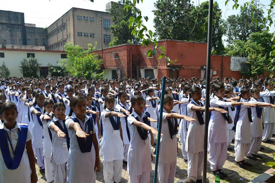 Himalaya-Day-Pledge-by-2000-Girls-to-Protect-Himalayas-(8)