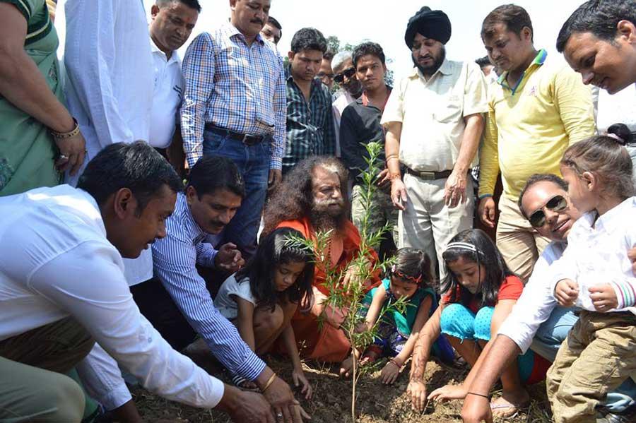 Shakti-aur-Prakriti-Tree-Plantation-(4)