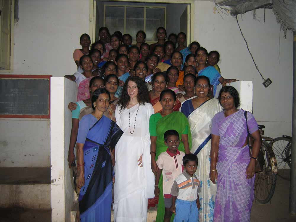 The women of the center with Sadhvi Bhagawatiji