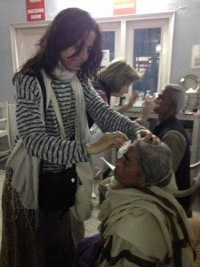 Giving Light of Vision Free Eye Camp at Parmarth (13)