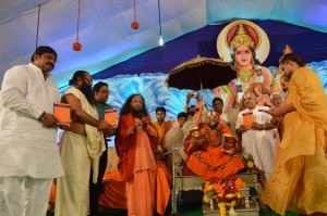 Saints Inspire Masses for Swachh Kumbha Mela (32)